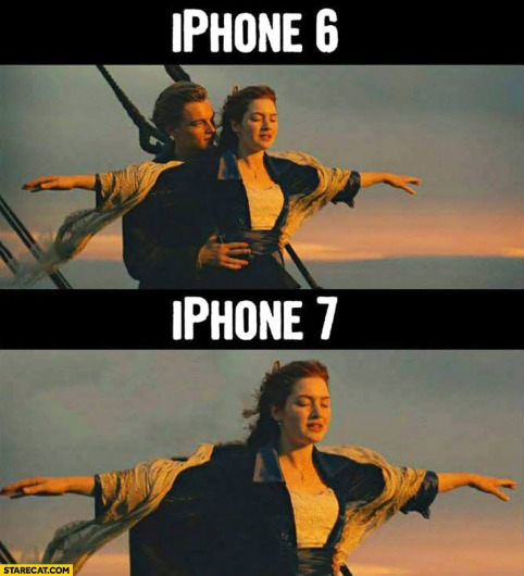 iphone-6-compared-to-iphone-7-titanic-no-headphones-jack-meme